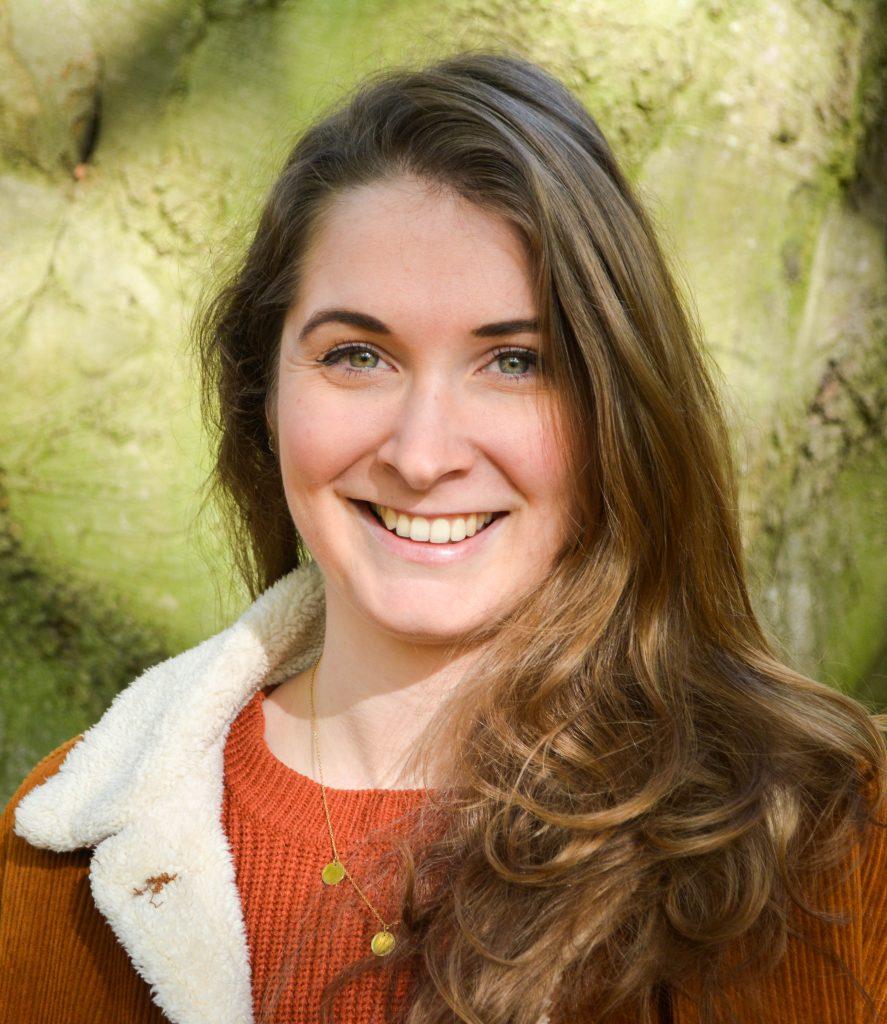 Profielfoto Renee in het bos 2
